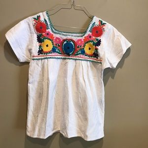 Izzy and Lola embroidered top Size Small